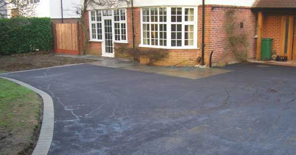 maintaining a tarmac driveway